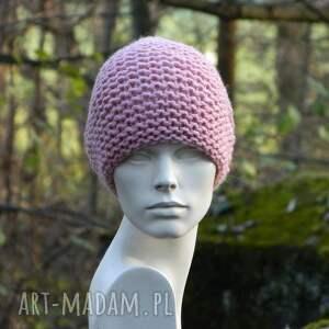 handmade czapki różowa pastel pink - na prawo * czapka