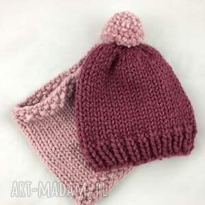 czapki czapka ręcznie robiona z pomponem