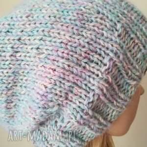 hand made czapki rękodzieło subtelne pastele czapka