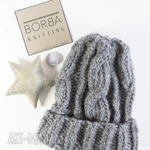 niebanalne czapki zima szara ręcznie robiona czapka