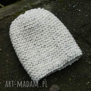 czapka na zimę czapki tweed ecru na prawo grubaśna