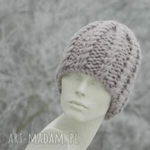 różowe czapki grubaśna 100% wool grubaśny ścieg piękny