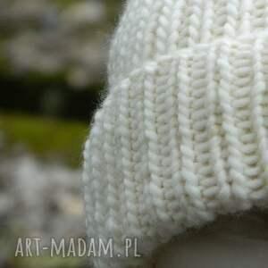 wełniana czapki 100% wool unisex ecru wywijana