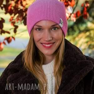 nietypowe czapki czapka damska wywijana dwustronna logo kolorowe