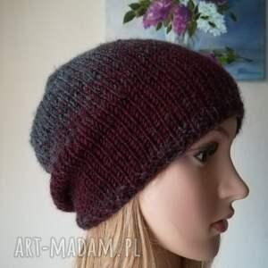 ręcznie robione czapki rękodzieło zamglone bordo