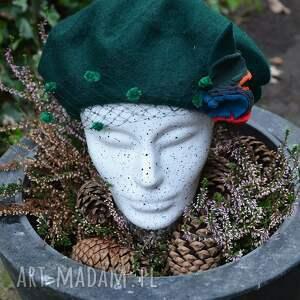 ręcznie zrobione czapki zielony beret