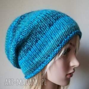 turkusowe czapki rękodzieło zima w turkusach czapka