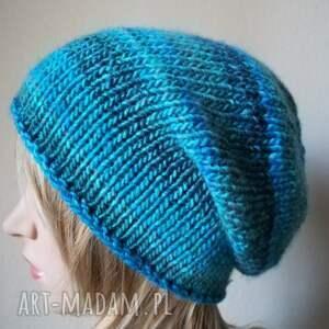 ręcznie zrobione czapki rękodzieło zima w turkusach czapka