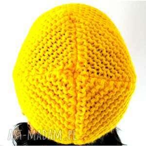 warkocze żółta czapka z nausznikami