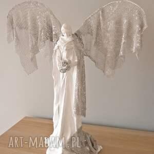 białe dekoracje dekoracja wnętrz anioł dostatku
