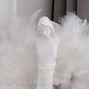 ciekawe dekoracje figura anioła anioł miłości