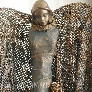 złote dekoracje anioł opiekun szczęścia