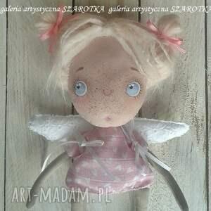 atrakcyjne dekoracje aniołek lalka - dekoracja tekstylna