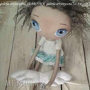 ciekawe dekoracje na urodziny aniołek lalka - dekoracja tekstylna
