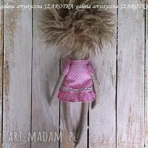 brązowe dekoracje lalka szmaciana aniołek - dekoracja tekstylna