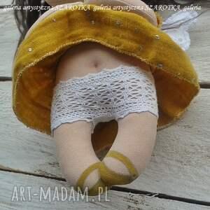 żółte dekoracje lalka szmaciana ręcznie wykonana lala - aniołek. wzrost - 20