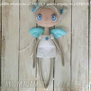 białe dekoracje lalka szmaciana aniołek - dekoracja tekstylna