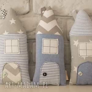 niebieskie dekoracje zawieszki domki dekoracyjne