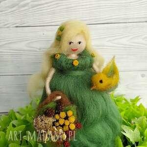 zielone dekoracje dziewanna dziewanna. Ziołowa wróżka z koszem