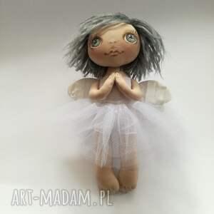 beżowe dekoracje lalka artystyczna e piet aniołek - dekoracja ścienna