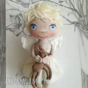 białe anioł e piet aniołek - dekoracja ścienna