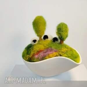 gustowne dekoracje wiosna igielnik. Miniaturowy krajobraz