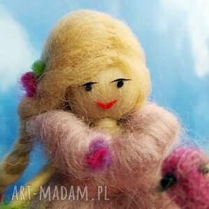 hand-made dekoracje lalka laleczka malwina. Wiosenna