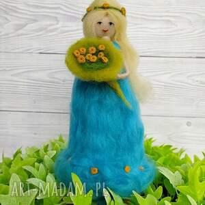 dekoracje laka laleczka wiosna. Kwiatowa wróżka