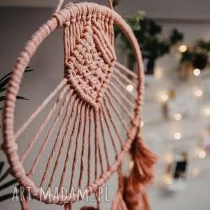 hand made dekoracje makrama - pióra