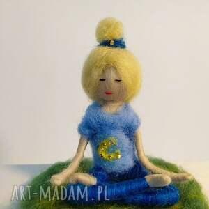yoga dekoracje medytacja. Relaks. Yoginka olga