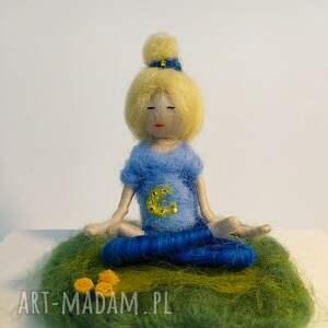 dekoracje yoginka medytacja. Relaks. Olga