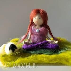 trendy dekoracje yoga medytacja. Yoga. Yoginka oliwia