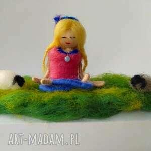 yoga dekoracje medytacja. Na łonie naury