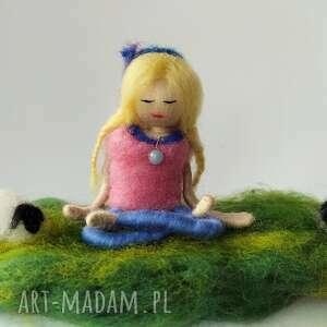 yoga dekoracje zielone medytacja. Na łonie naury