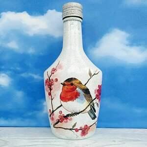 prezent pod choinkę ptaki zimą. Dekoracja z kolekcji
