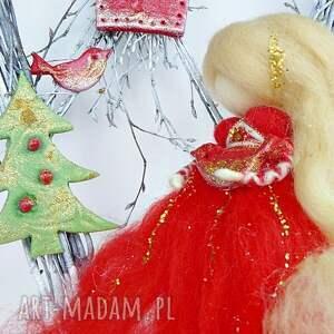 prezent na święta świąteczny wianek. Gwiazdkowa