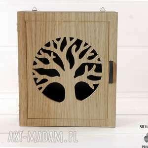 ręcznie robione dekoracje klucze szafka na natural tree