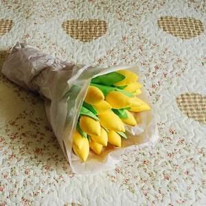 tulipany-z-materiału dekoracje tulipany - bukiet 15 bawełnianych