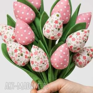 niebanalne dekoracje tulipany z materiału bukiet
