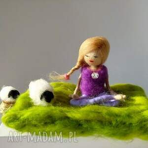 dekoracje yoginka yoga-medytacja. Felicja