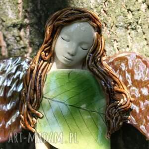 wyraziste dla dziecka aniołek buczynowy anioł z ptaszkiem