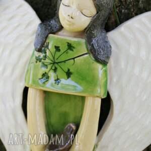beżowe dla dziecka ceramiczny anioł na ścianę