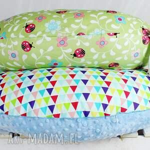 modne dla dziecka wyprawka duża poduszka do karmienia