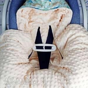 urokliwe dla dziecka niemowlę kocyk do fotelika samochodowego