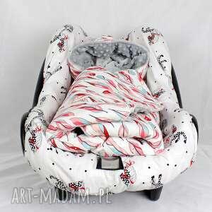 dla dziecka kocyk do fotelika samochodowego