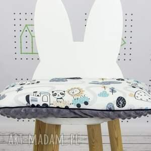 brązowe dla dziecka pociągi poduszka ciuchcie