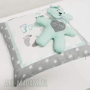 ręczne wykonanie dla dziecka narodziny poduszka metryczka i miś serduszko