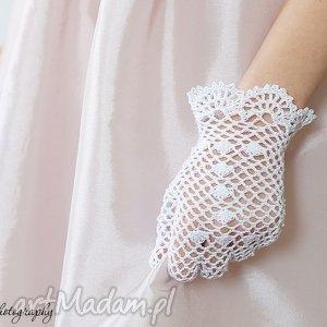 dla dziecka ażurowe rękawiczki komunijne