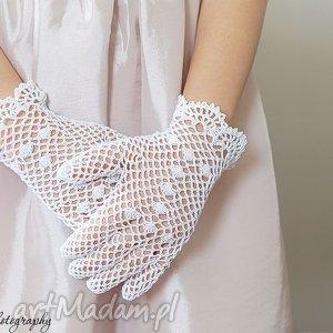 ażurowe dla dziecka rękawiczki komunijne