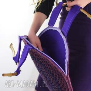 prezent ażurowa torba we fioletach